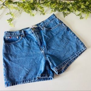 Tommy Hilfiger Vintage Boyfriend High Rise Short